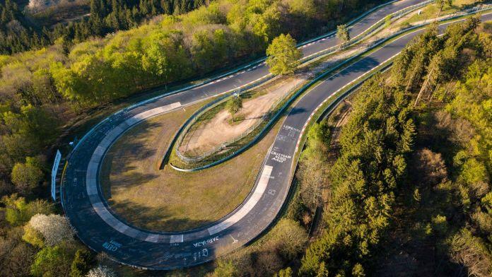 En bilist i en Mazda MX-5 omkom mandag i denne uge i en ulykke på Nürburgring