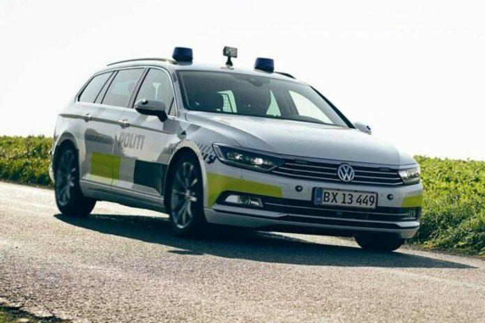 2.209 bilist har fået klip i kørekortene og bøder for at snakke i mobiltelefon, mens de kørte bil. Det viser nye tal politiet.