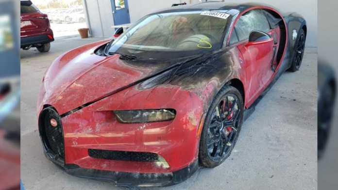 En temmelig brandskadet Bugatti Chiron skal på auktion i Florida, og selvom den er temmelig sørgelig at se på, forventes den alligevel at indbringe godt med dollars.