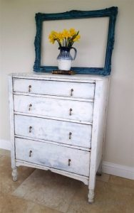 rustic-chic-chest-of-drawers