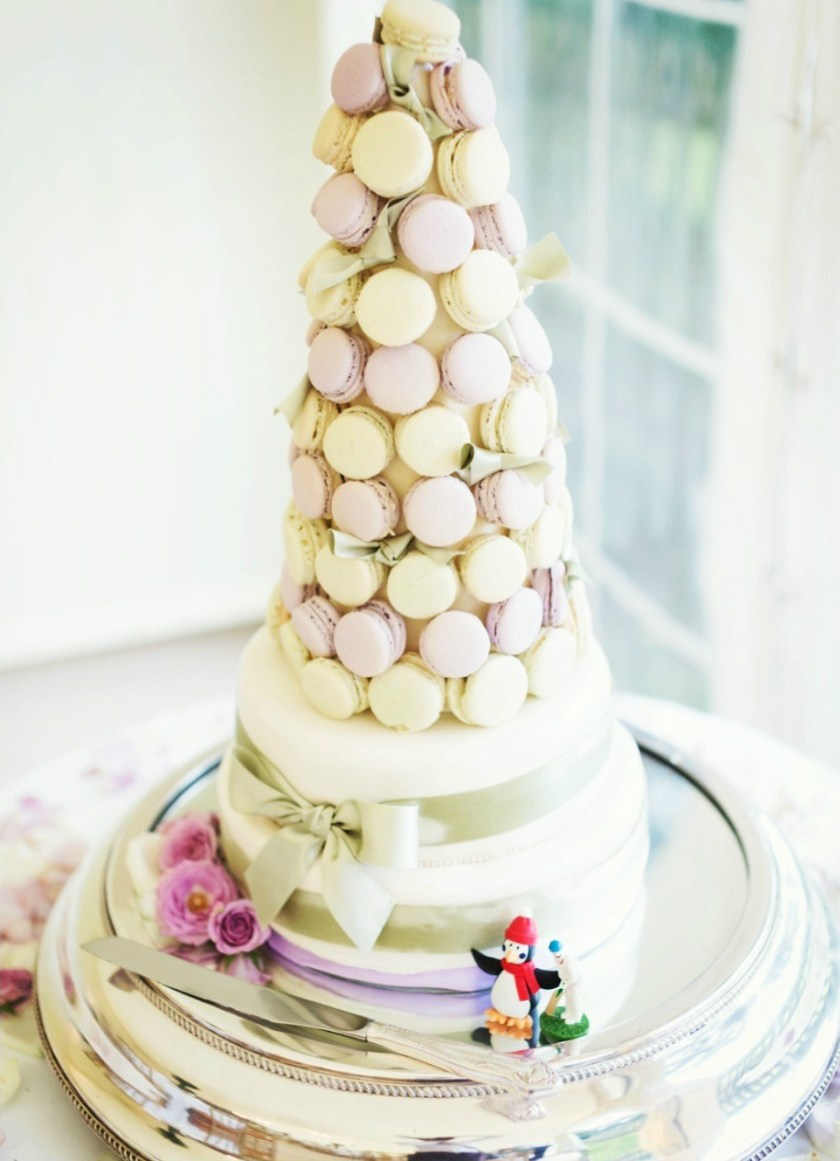 Pastel macaron tower wedding cake