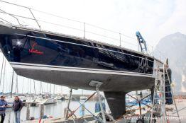 Ankunft der Comfortina 38 Segelyacht am Gardasee nach durchgeführter Lackierung durch Bootswerft Baumgart