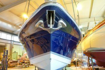Bootslackierung einer Formula 40 Motoryacht