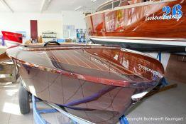 Boesch 590 St. Tropez Motorboot in der Ausstellungshalle der Bootswerft Baumgart in Dortmund