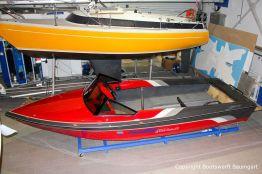 Malibu Skier Euro f3 Motorboot nach durchgeführtem Refit in der Werfthalle der Bootswerft Baumgart in Dortmund