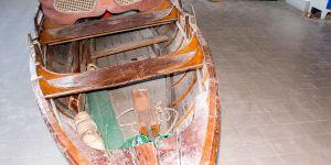 Restauration eines klassischen Holzruderbootes in der Werfthalle der Bootswerft Baumgart in Dortmund
