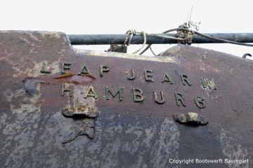 "Heck Beschriftung ""Leap Jear III Hamburg"" der Riva Super Aquarama nach der Bergung durch die Bootswerft Baumgart"