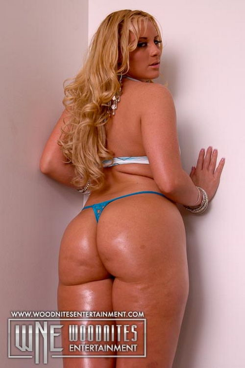 Sexy big tit big ass playboy college girls naked
