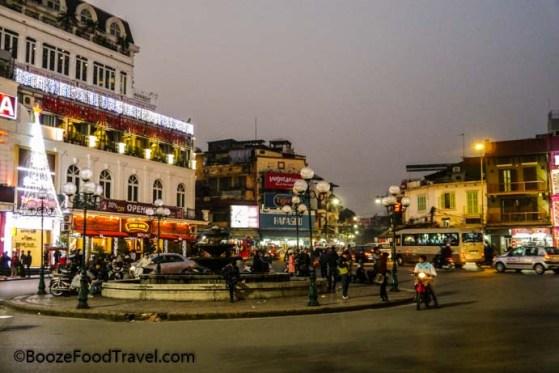 Hoan Kiem Lake street
