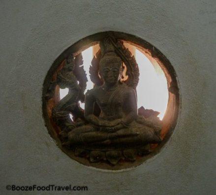 patuxai buddha