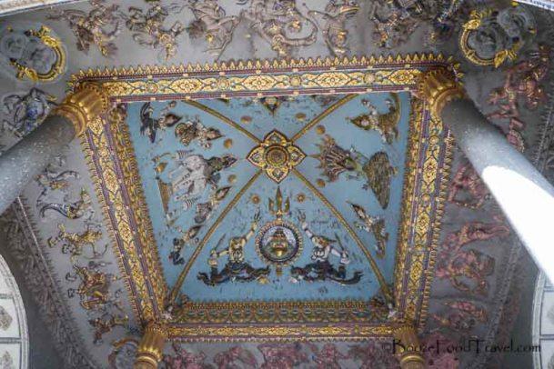 patuxai ceiling