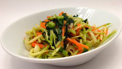 Easy Summer Side: Broccoli Slaw