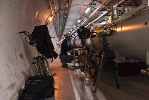 Radiografando i magneti di LHC alla ricerca del cortocircuito (foto di Maximilien Brice)