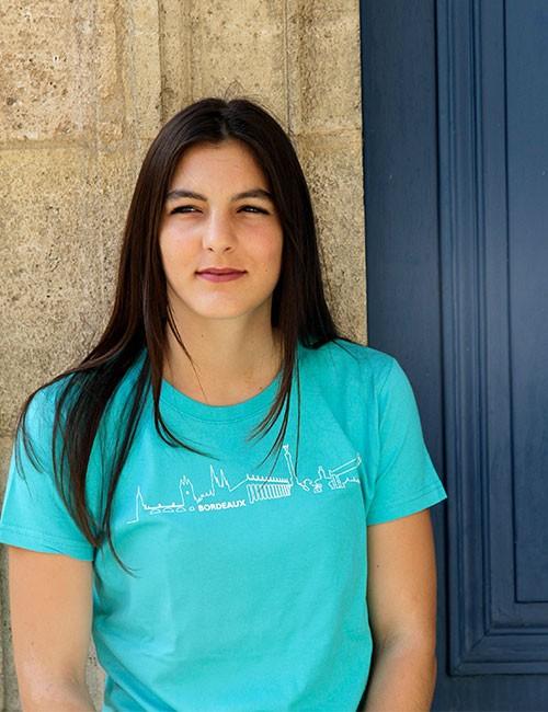t-shirt Bordeaux Skyline pour femme en couleur caraibes