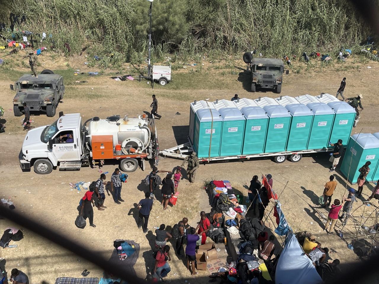 Thousands of migrants, most from Haiti, are living beneath the Del Rio International Bridge in Texas on Sept. 17, 2021. (Sandra Sanchez/Border Report Photo)