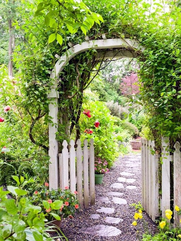 40 Different Garden Pathway Ideas on Backyard Patio Landscaping id=75776
