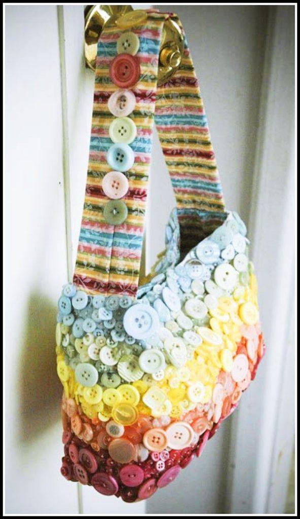 Extraordinary-DIY-Button-Craft-Ideas