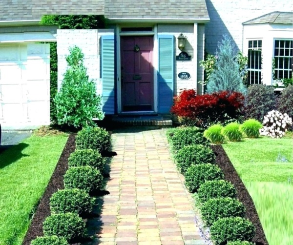 40 Beautiful Small Front Yard Landscaping Ideas - Bored Art on Small Yard Landscaping id=54686