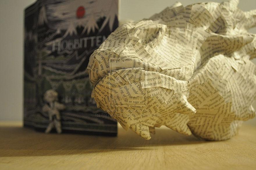 paper-sculpture-smaug-the-dragon-hobbit-fartoomanyideas-5