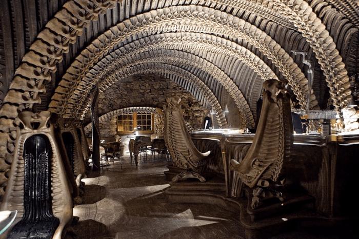 Interesting-restaurant-interiors-from-around-the-world__700