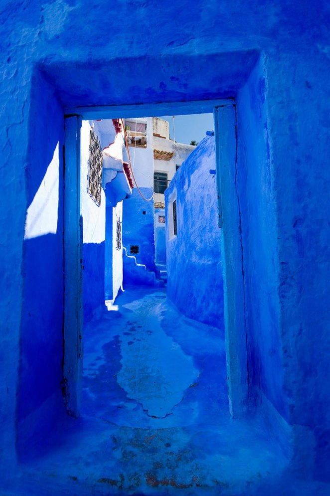 blue-streets-of-chefchaouen-morocco-13