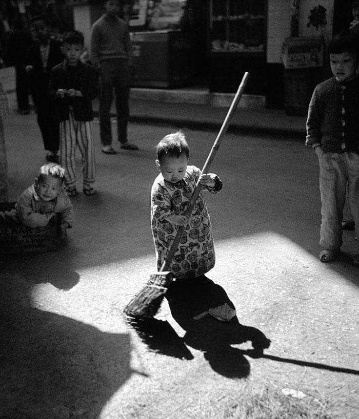 street-photography-hong-kong-memoir-fan-ho-10