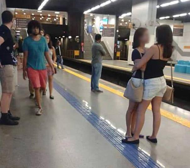 foto-famosa-linea-amarilla-metro-brasil (2)