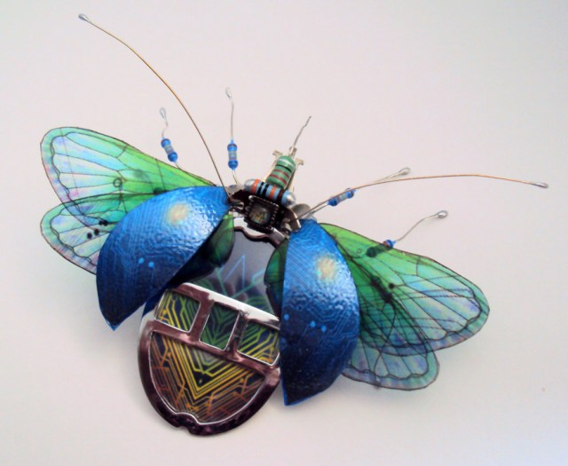 insectos-alados-componentes-electronicos-julie-alice-chappell (10)