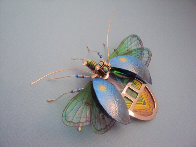 insectos-alados-componentes-electronicos-julie-alice-chappell (16)