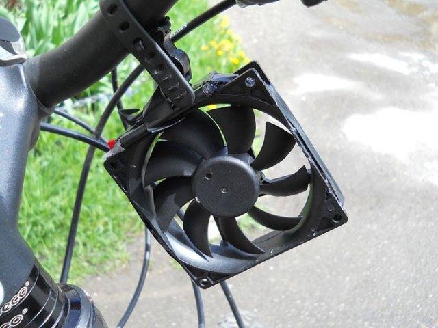 cargador-movil-eolico-casero-bici-thomas (5)