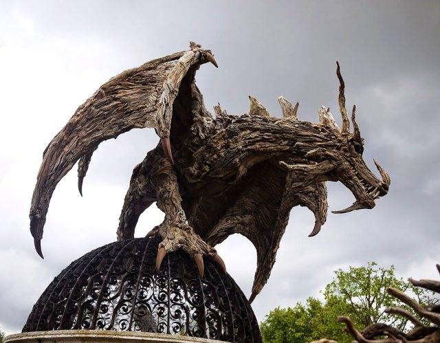 esculturas-criaturas-madera-deriva-james-doran-webb (10)