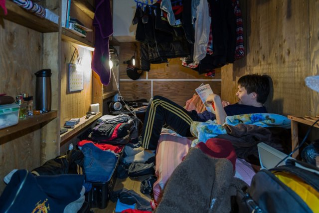 hotel-mochilero-japon-habitaciones-diminutas-won-kim (2)