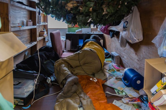 hotel-mochilero-japon-habitaciones-diminutas-won-kim (5)