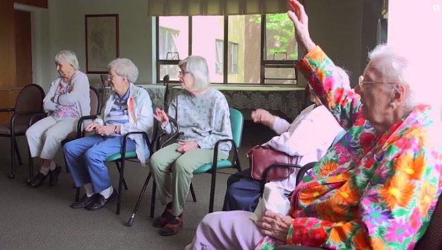 ninos-preescolar-residencia-ancianos-amistad (11)