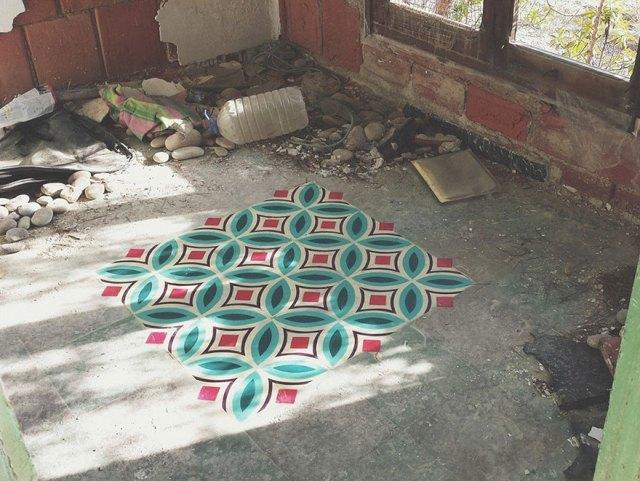 suelos-estampados-azulejos-graffiti-javier-de-riba (3)