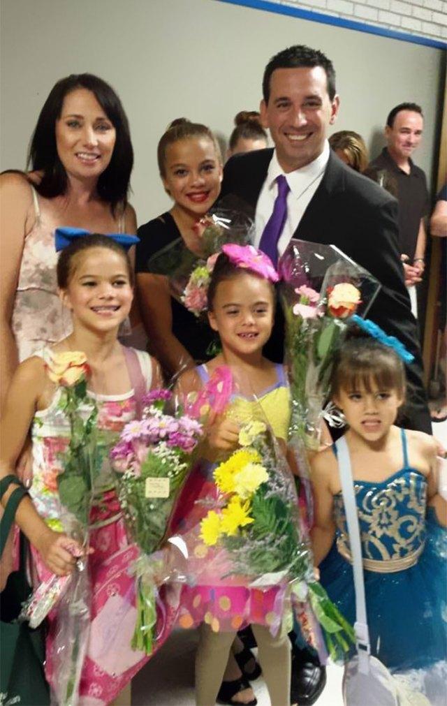 4-hijas-adoptadas-madre-fallecida-cancer-cerebral-elizabeth-diamond-laura-ruffino (10)