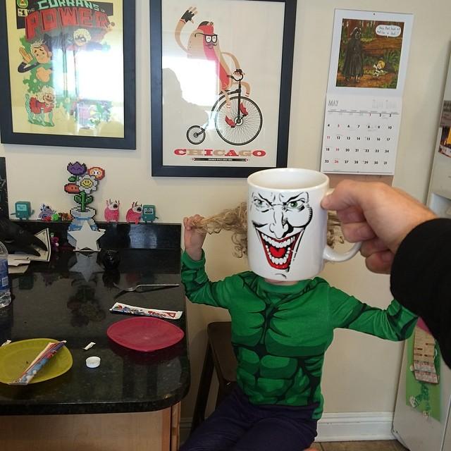 hijos-superheroes-tazas-desayuno-lance-curran (14)
