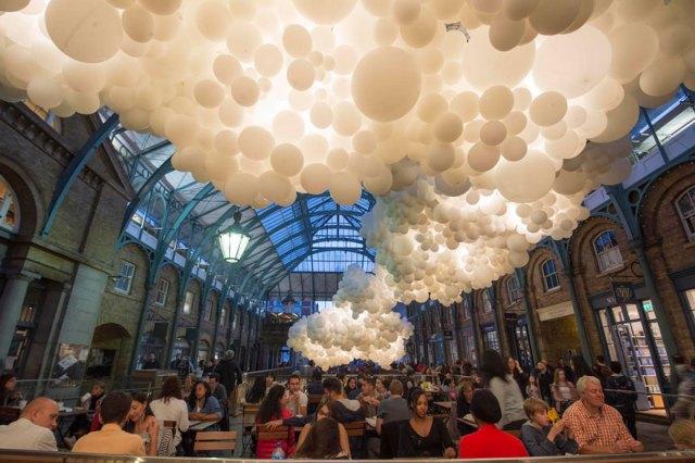 instalacion-globos-mercado-covent-garden-charles-petillon (11)