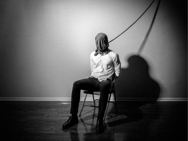 autorretratos-depresion-edward-honaker (13)