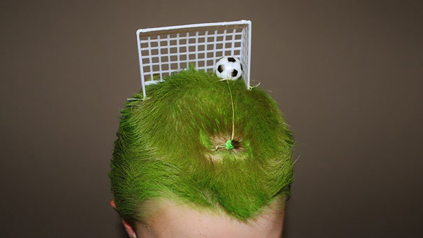 dia-peinados-extravagantes-escuela (13)