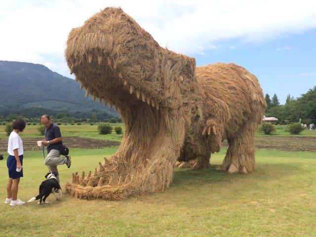 esculturas-paja-festival-wara-niigata-japon (1)