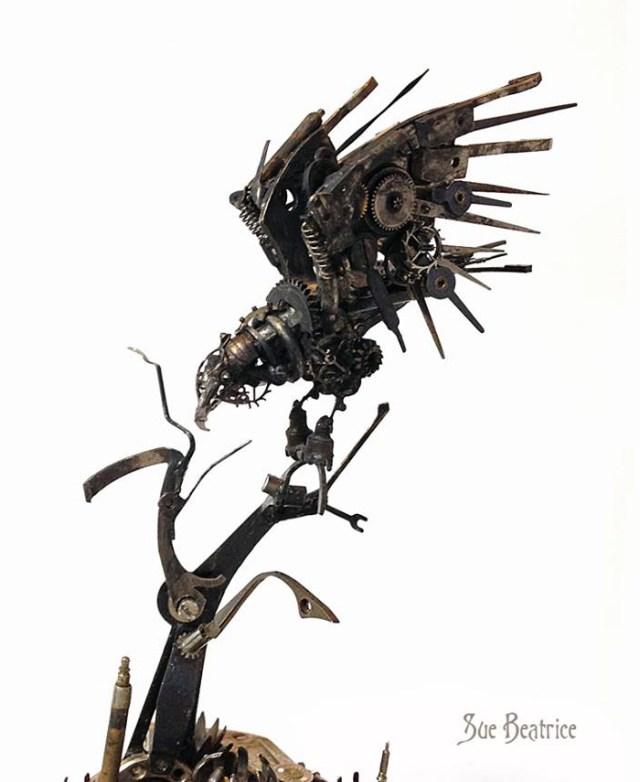 esculturas-steampunk-piezas-relojes-recicladas-susan-beatrice (14)