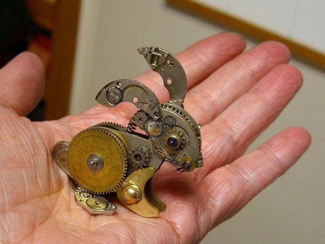 esculturas-steampunk-piezas-relojes-recicladas-susan-beatrice (9)