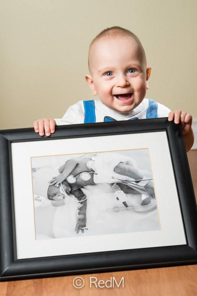 retratos-bebes-prematuros-les-premas-red-methot (5)