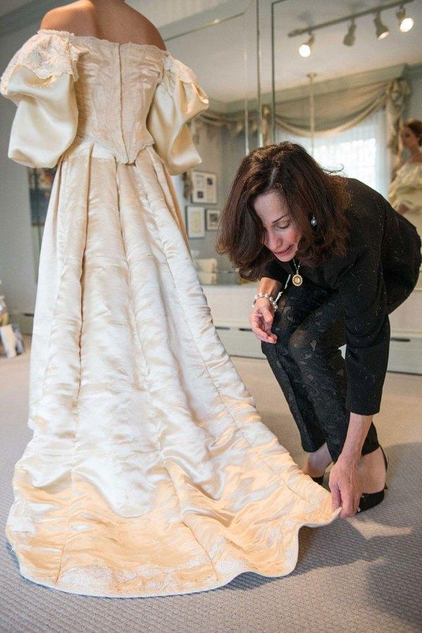 vestido-boda-120-anos-herencia-familiar-11-novia-abigail-kingston (4)