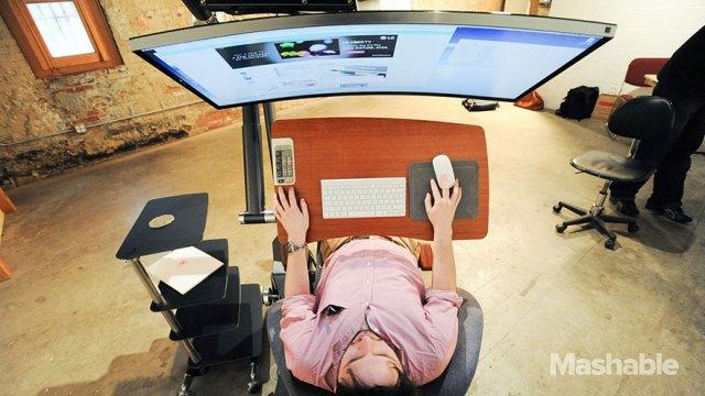 escritorio-ajustable-trabajar-ordenador-altwork-station (2)