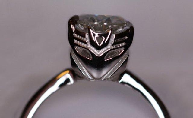 anillos-de-compromiso-con-cajitas-friki (2)