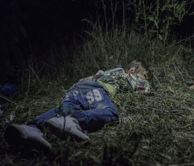 donde-ninos-duermen-fotos-refugiados-sirios-magnus-wennman (5)