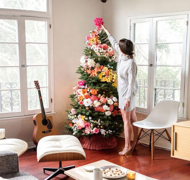 ideas-decoracion-arbol-navidad-flores (2)