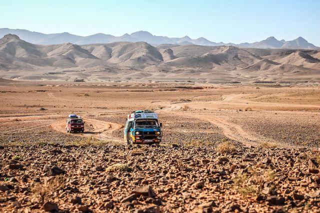 viajes-baratos-mundo-blogueros-polacos-furgoneta (12)